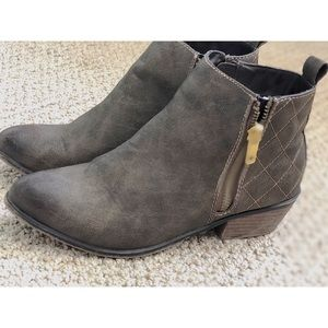 Shoes - Ankle booties with zippers size 6.5